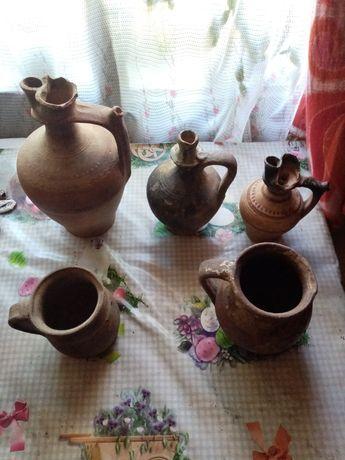 Vând ceramica veche plus un fier vechi de călcat