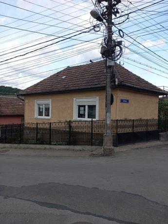 Casă de vânzare zona Moșnei