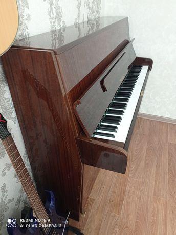 Продам пианино RÖNISCH DE LUXE 70х годов Германия!