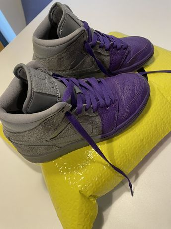Nike Jordan 1 mid Sheila Rashid