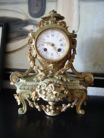Античен френски каминен часовник