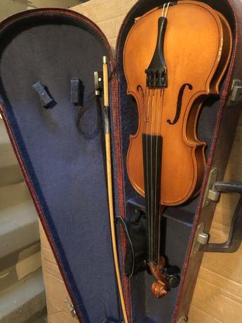 Скрипка в футляре состояние хорошее