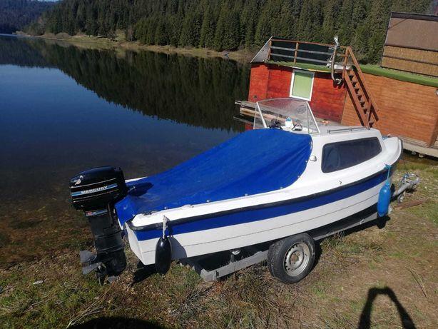 Vand  barca  Cabinata  /  Pilotina cu motor Mercury 20 cp 2 timpi