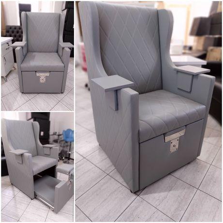 Педикюрный кресло трон.