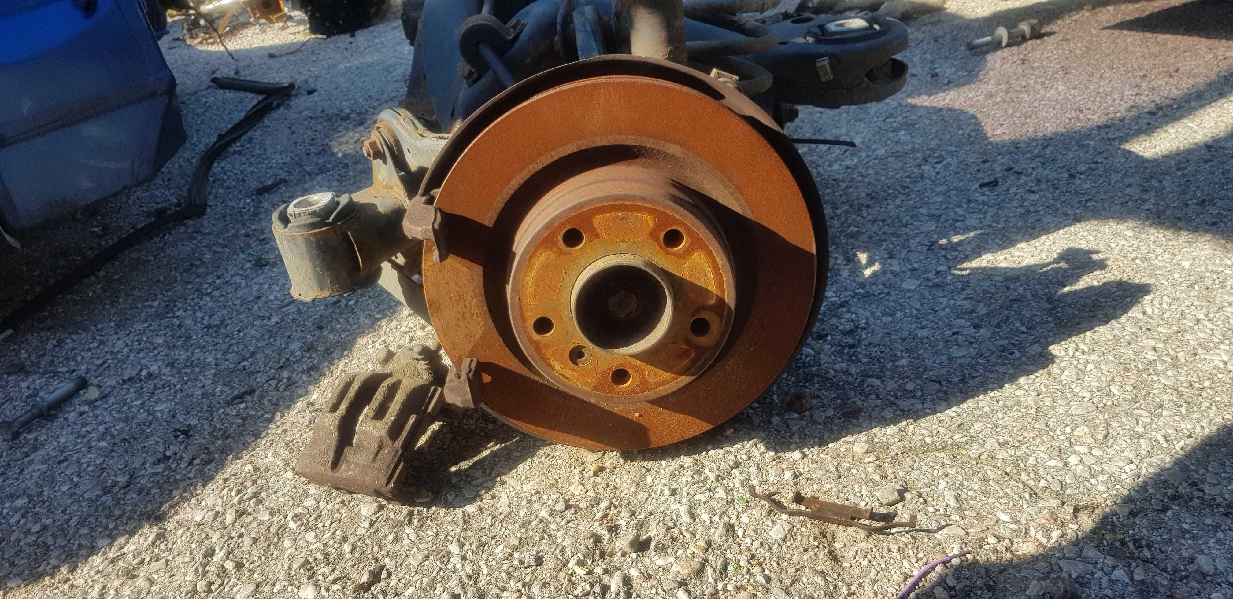 Спирачни дискове задни-БМВ/BMW-е90 320д 163кс бмв м47 e91 e92 e93