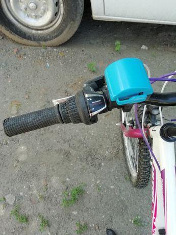 Продавам детски велосипед