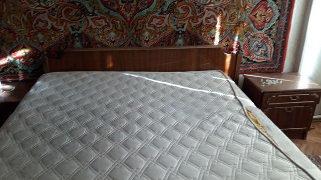 Спальный гарнитур и стенка в зал