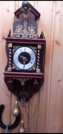 Стенен часовник,  Холадски