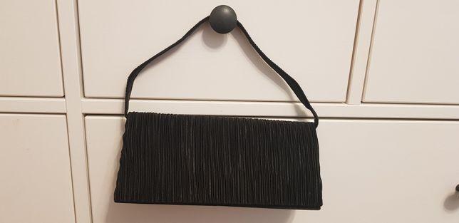 Plic din catifea neagra