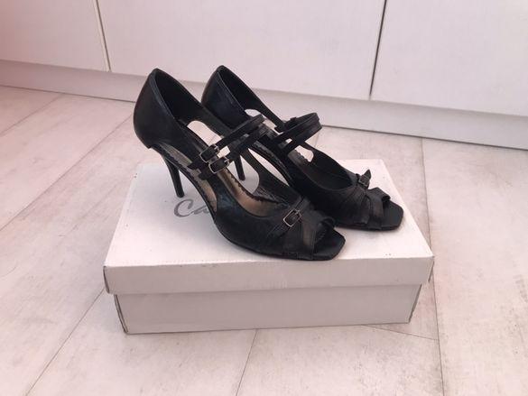 Италиански елегантни обувки от естествена кожа с каишки, 39 номер