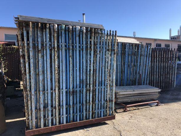 Schele metalice pe suporti de cate 40 bucati