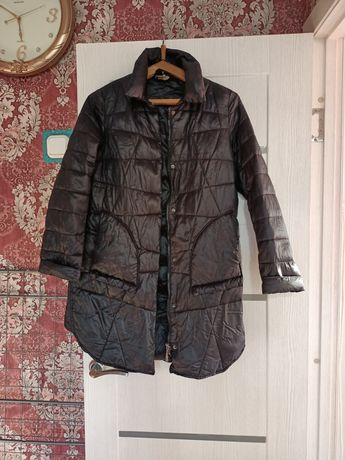 Продам куртку женскую