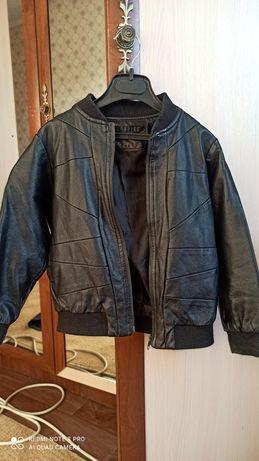 Кожаная куртка на 2-3 годика