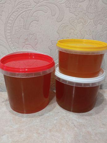 Свежий мёд и соты