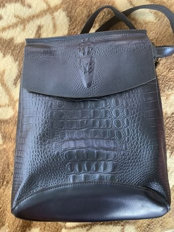 Чанти на Moschino, Ciel, Valentino