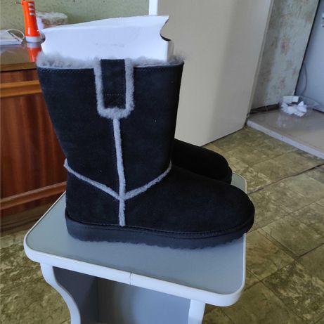 Зимние сапоги UGG (новые, размер 39)