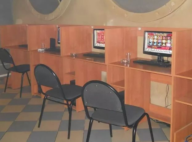 Продам компьютерные столы оптом