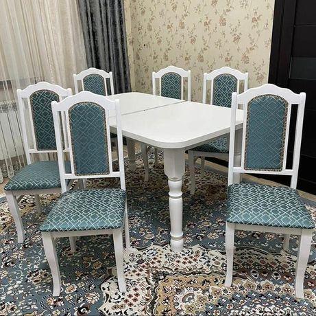 Стол и стулья хорошего качества