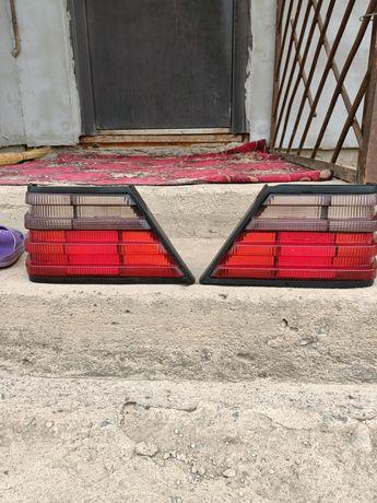 Продам задние фонари малина на мерс 124
