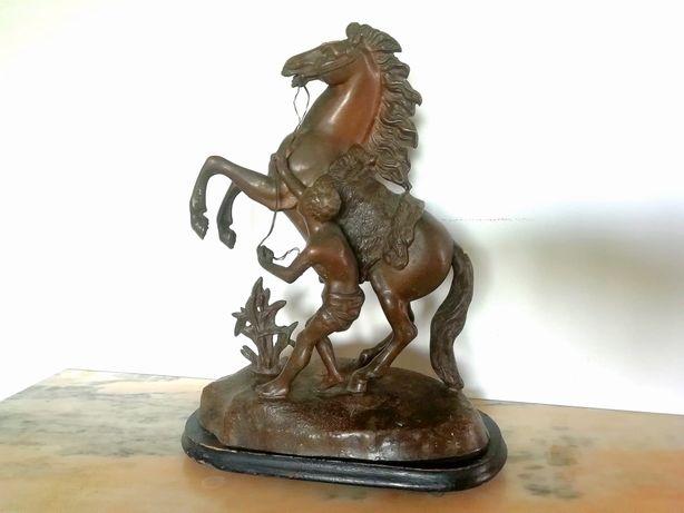 Vand statueta/sculptura cal din antimoniu/zamac nu bronz semnată