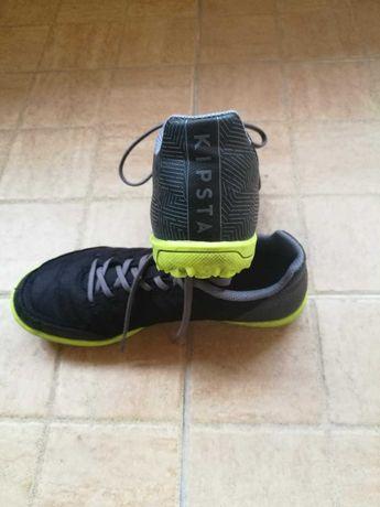 Детски обувки за футбол KIPSTA номер 36 и кори за футбол KIPSTA