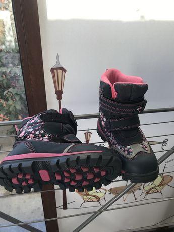 Обувь для девочек, размеры 31, 32, 33, 34-й. В очень хорошем состоянии