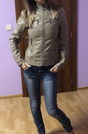 Дамско кожено яке S