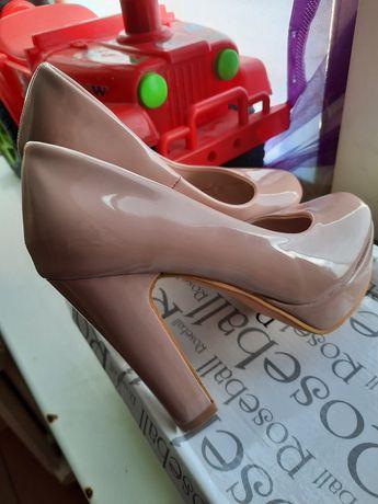 Женские туфелки новые
