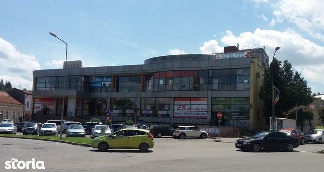 Spatiu de inchiriat in complex comercial modern, zona centrala