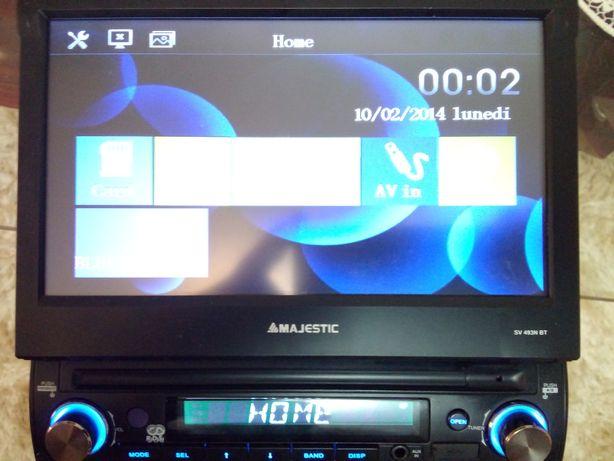 Dvd auto retractabil, cu Bluetooth, intrare stic, card