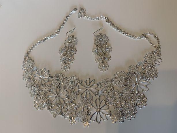 Set bijuterii colier si cercei Claire's
