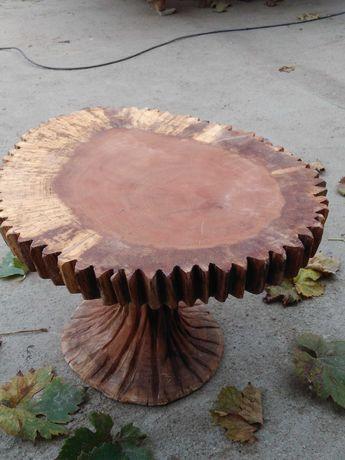 Masa rustica lemn masiv stejar sculptata manual.