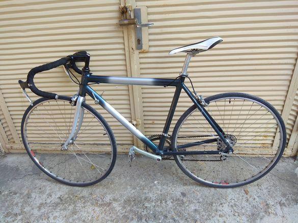 Алуминиев шосеен велосипед с монтаж на Shimano 105