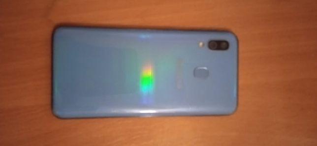 Продам Samsung a40,либо обмен На Айфон 7