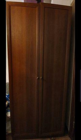 Комплект мебели. Шкаф,  кровать, комод с зеркалом. Книжный шкаф.