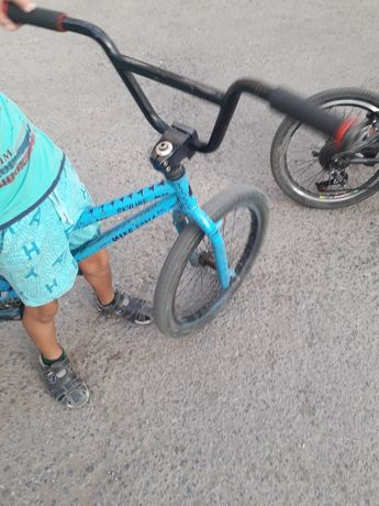 Велосипед BMX трюкач