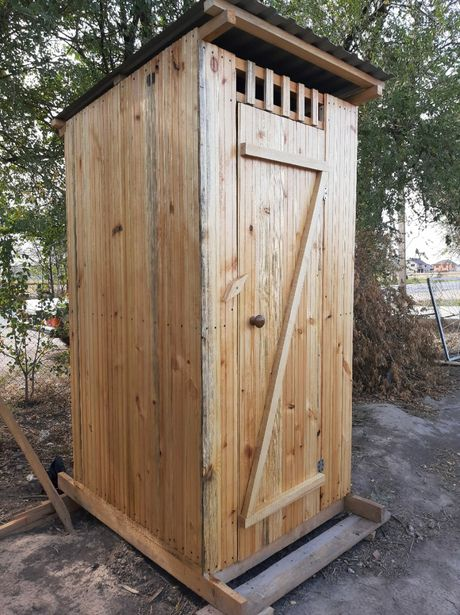 Уличный,дачный туалет