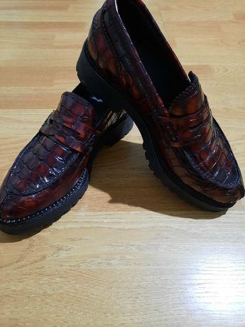 Vând pantofi de damă