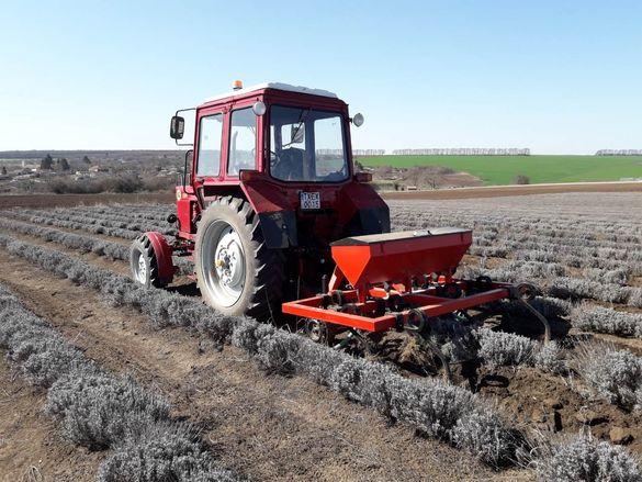 Извършвам услуги с Трактор и с Малогабаритен трактор