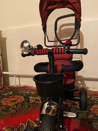 Трёхколёсный велосипед-коляска с поворотным сиденьем