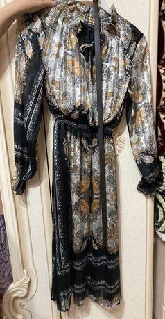 Шифоновое платье с узорами