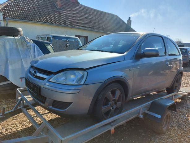 Dezmembrez Opel Corsa C 1.0