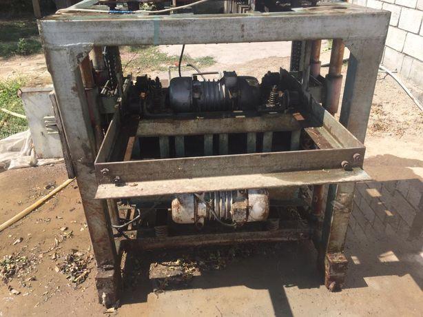 Сплитерные блоки, станок для производства сплитерных блоков