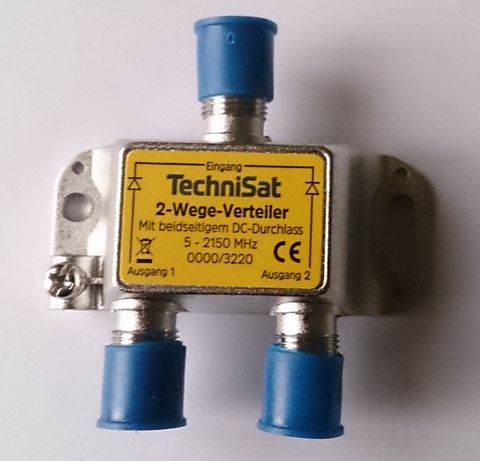 Сплитер TechniSat, 1 вход / 2 изхода, честотен диапазон 5-2150 MHz