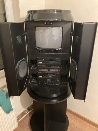 Turn cu televizor pentru living