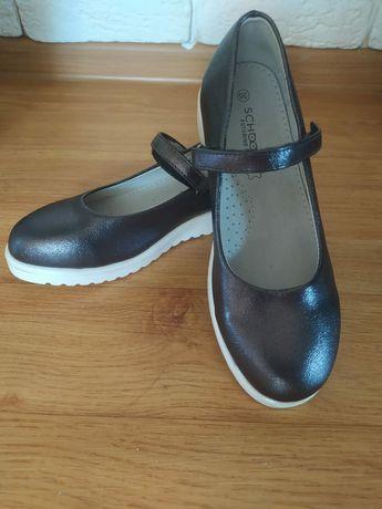 Школьные туфли новые