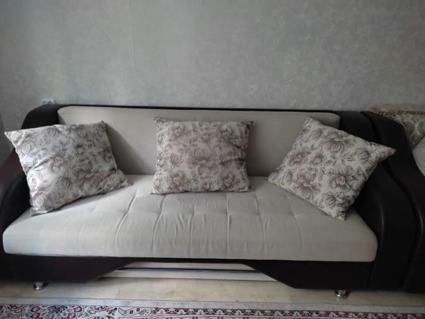 Прдаю диван