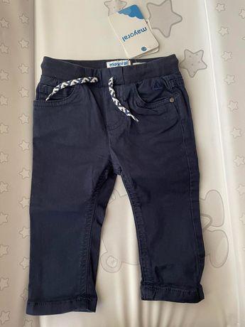 Нов бебешки панталон Mayoral