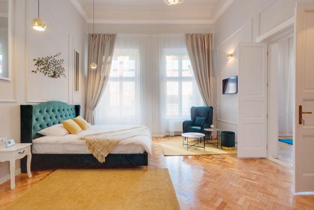 Inchiriez apartament (4 camere, 125 mp, ultrafinisat)