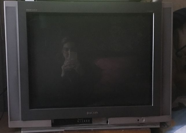 Продам телевизор Ролсен.